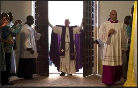 pope opens door in bangui